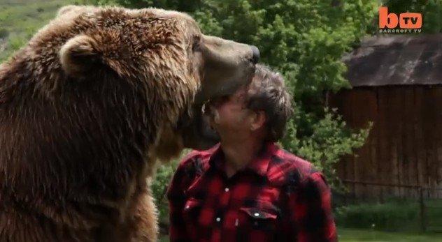 ember találkozik medve